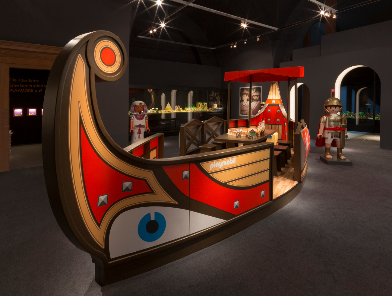 museumsreport 40 jahre playmobil im historischen museum der pfalz. Black Bedroom Furniture Sets. Home Design Ideas