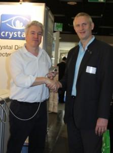 Crystal Display vertreibt heddier Hörknubbel in der Schweiz