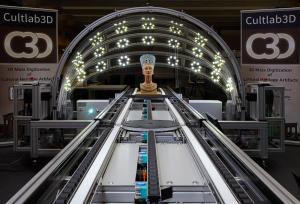 Fraunhofer-Forscher scannen Saurierknochen vor Publikum