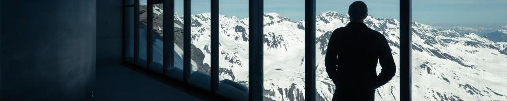 James Bond-Erlebniswelt in 3.050 Metern Höhe eröffnet