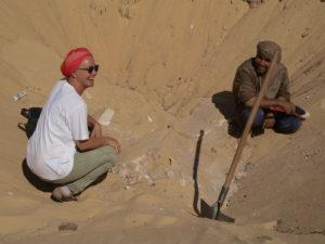 Katja Lembke bei Ausgrabung in Tuna el-Gebel (Foto: Landesmuseum Hannover)