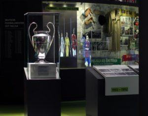 Neue Vitrinen im Deutschen Fußballmuseum (Fotos: Pilkington Deutschland AG)