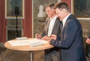 Dr. Karl Lamprecht und Prof. Wolfgang Heckl (von links, Foto: Zeiss)